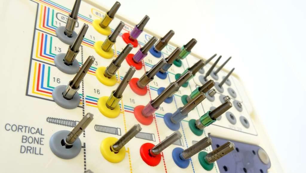 Werkzeug Implantologie